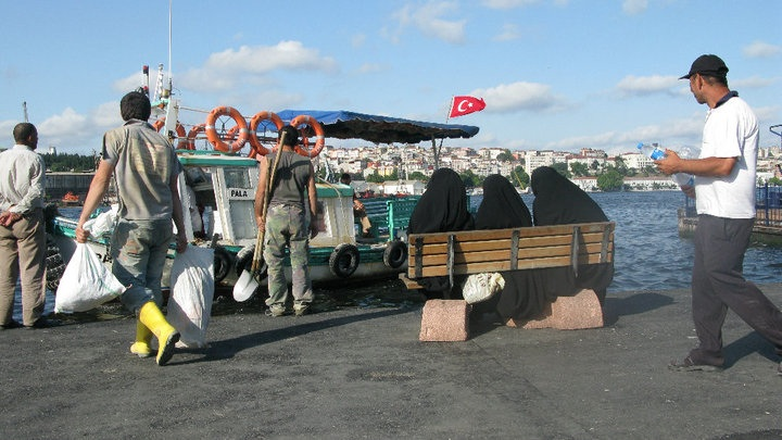 "Photo from ""Stalking burkas"", Istanbul, Turkey 2010"